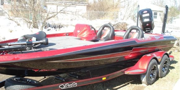 bass-cat-boats-for-sale-new-2017-cougar-advantage-sp-black-red.jpg